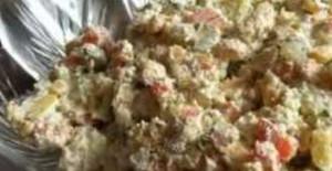 Herkes Beğendi Salatası Tarifi