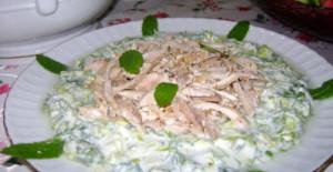 Marullu Tavuk Salatası Tarifi