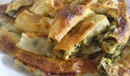 Milföylü Ispanaklı Börek Tarifi