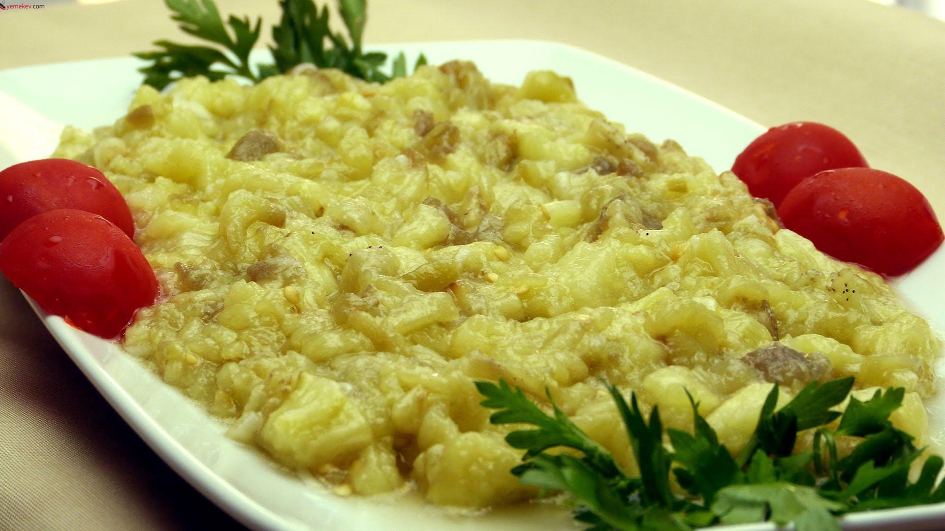 Közlenmiş Patlıcan Salatası - 1