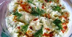 Yoğurtlu ve Dereotlu Kabak Salatası Tarifi