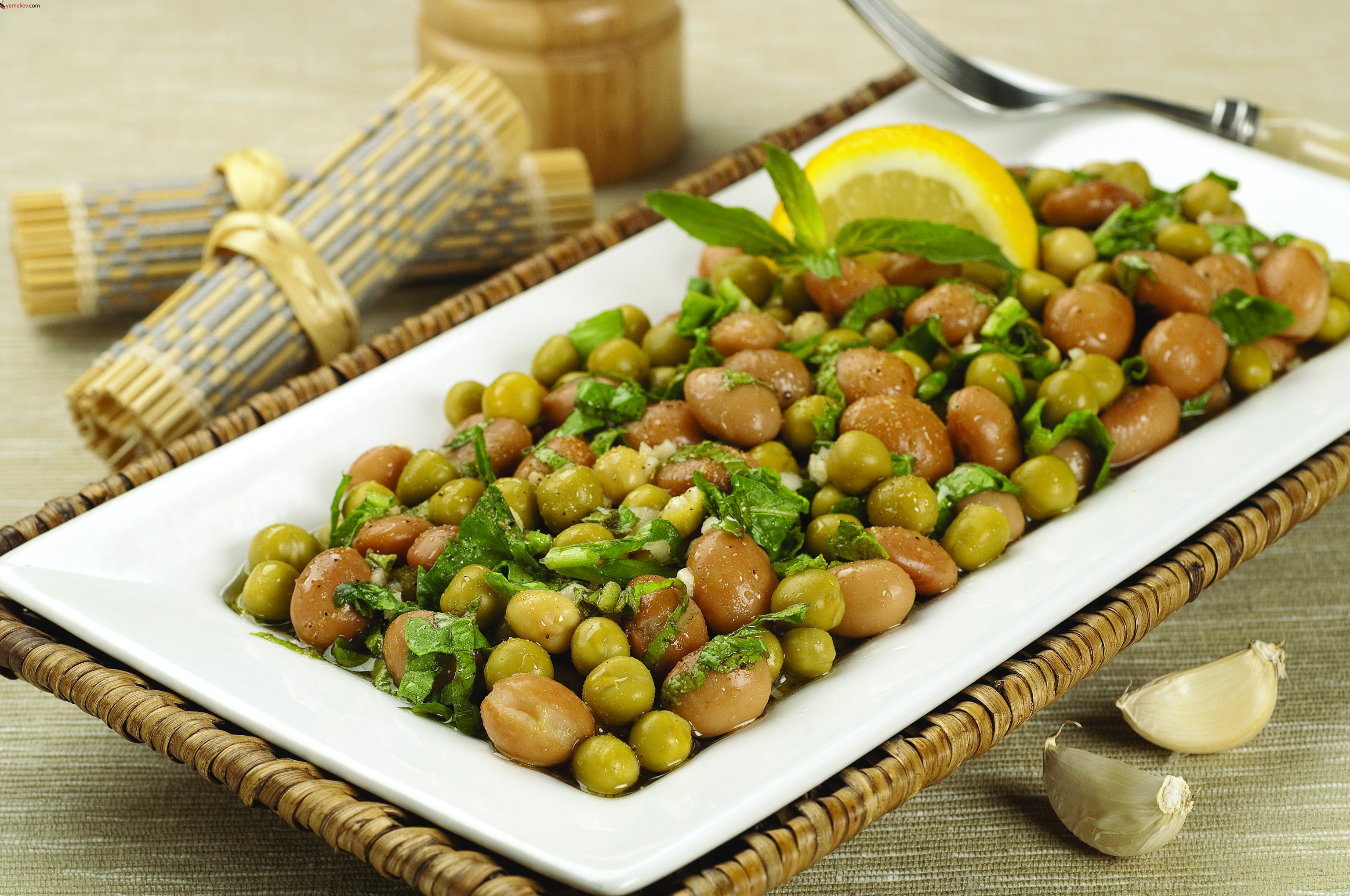 Barbunya Salatası Tarifi – Salata Tarifleri