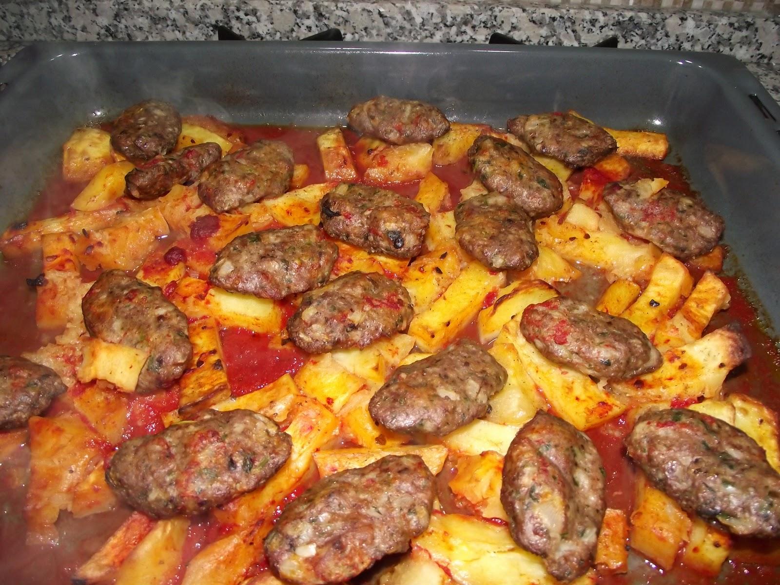 Köfteli Patatesin Üzeri İçin