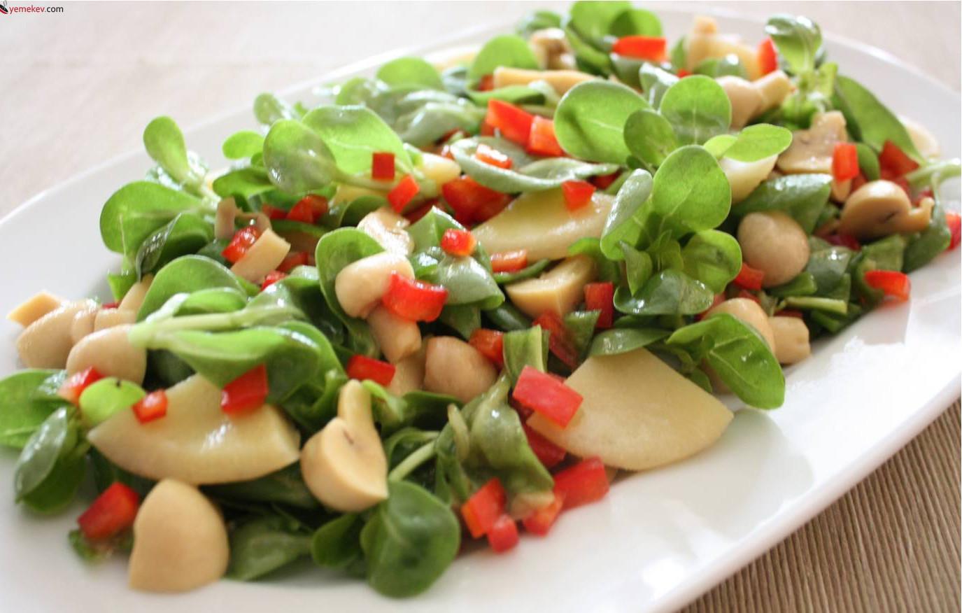 Semizotlu Yeşil Salata