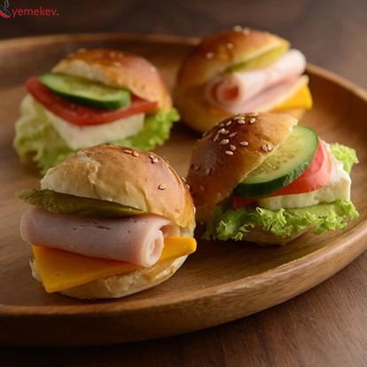 Ton Balıklı Sandviç Tarifi - 1
