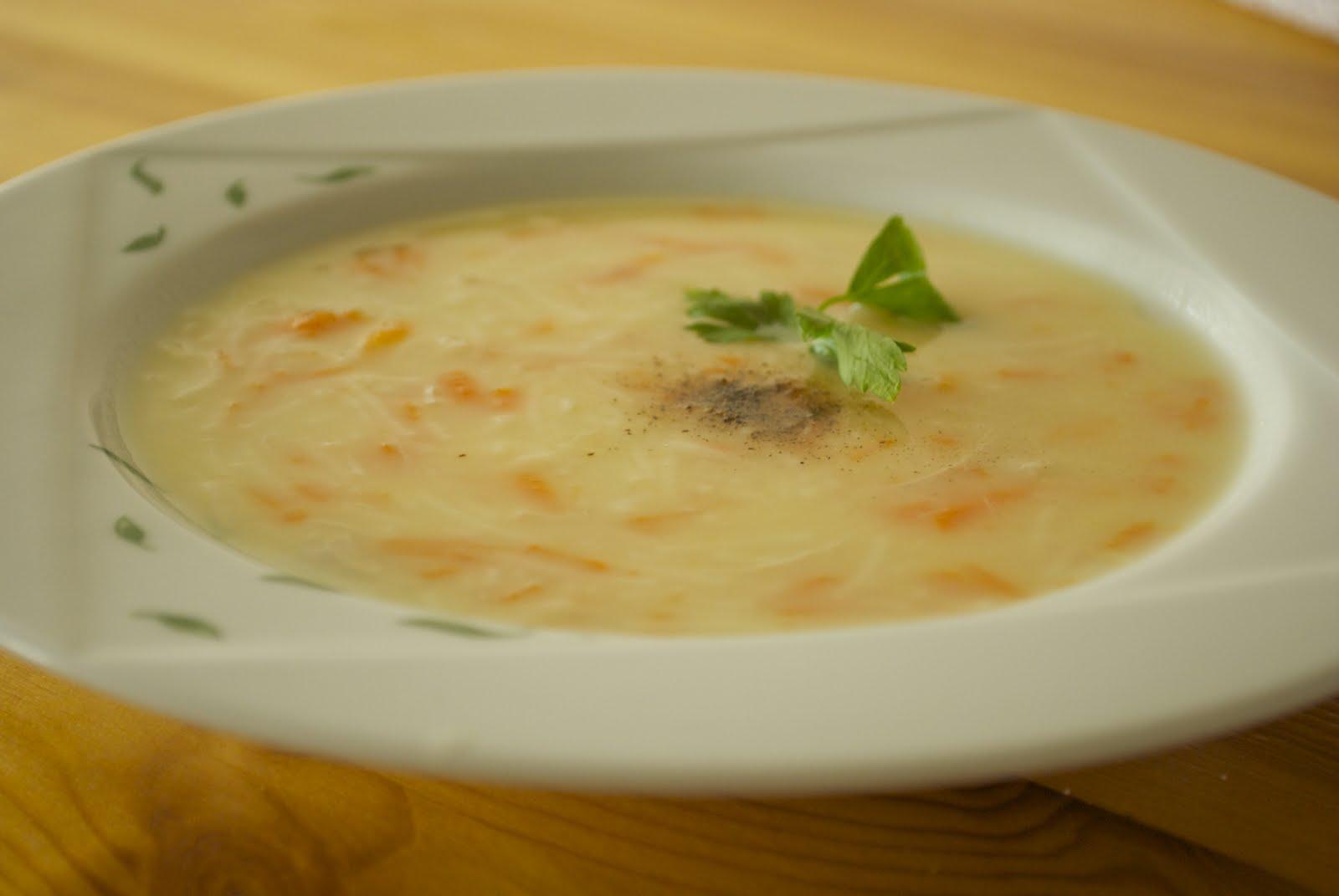 Yoğurtlu Arpa Şehriye Çorbası Tarifi – Çorba Tarifleri
